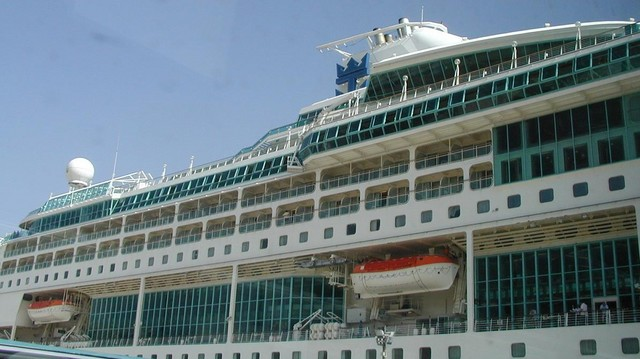 Splendor of the Seas docked at Grand Harbour