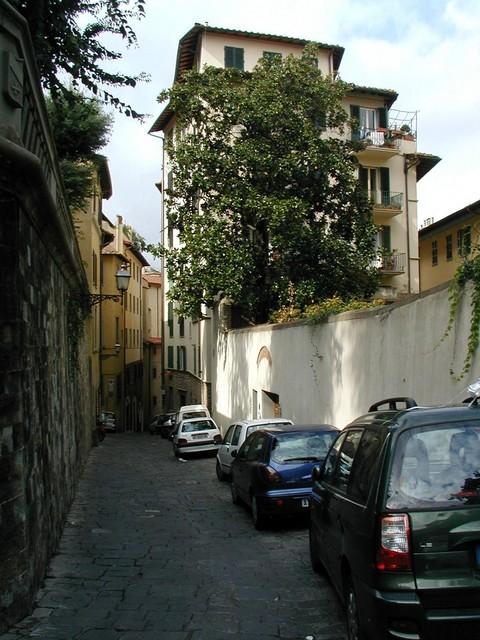narrow one way street