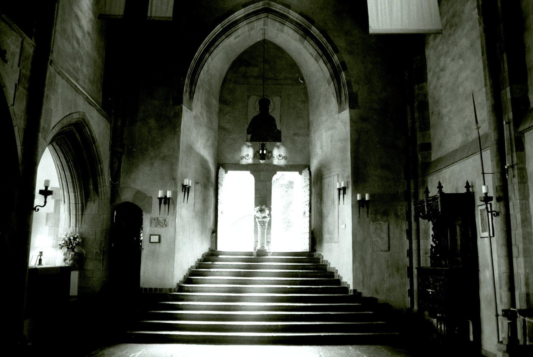 saki's world :: the great hall at hammond castle