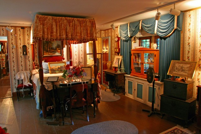 Saki\'s World :: Early American bedroom ...