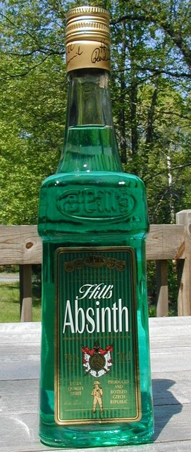Hill's Absinth outdoors