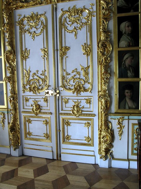 Saki 39 s world great peterhof palace doors in picture room for Picture room