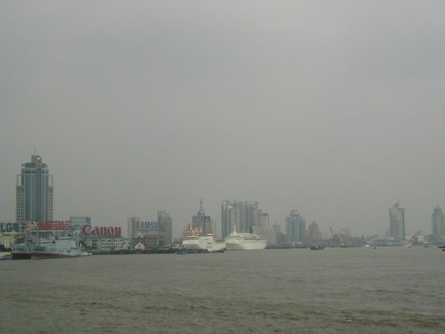 Cruise ships in Shanghai