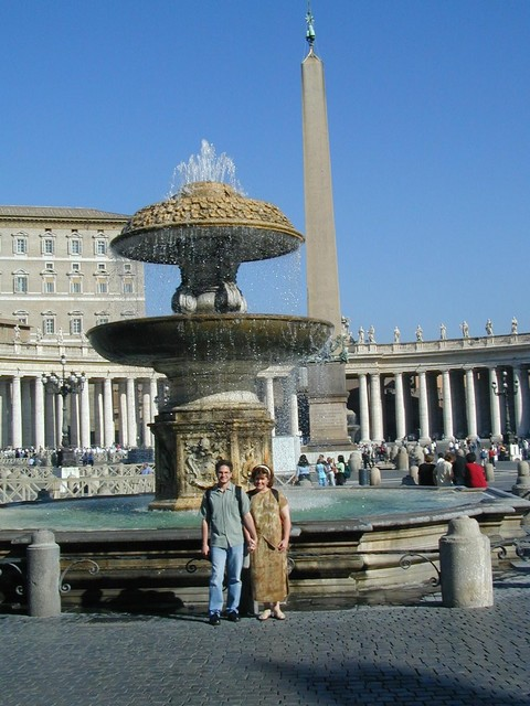 Joe and Ren at the fountain in Piazza San Pietro