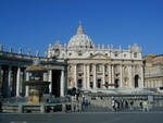 Papal audience prep in front of St Peter's