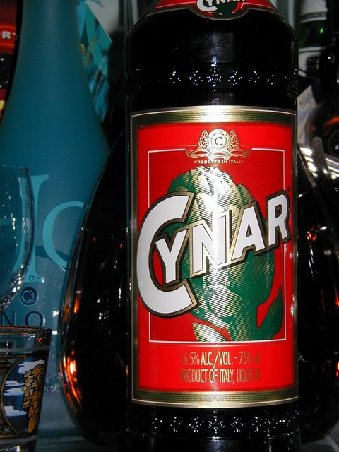 Cynar front label