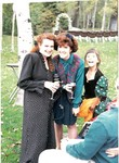 jennifer-ren-lisa-at-dad-wedding1992