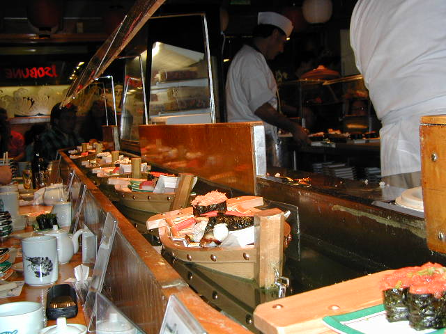 isobune-sushi-boats
